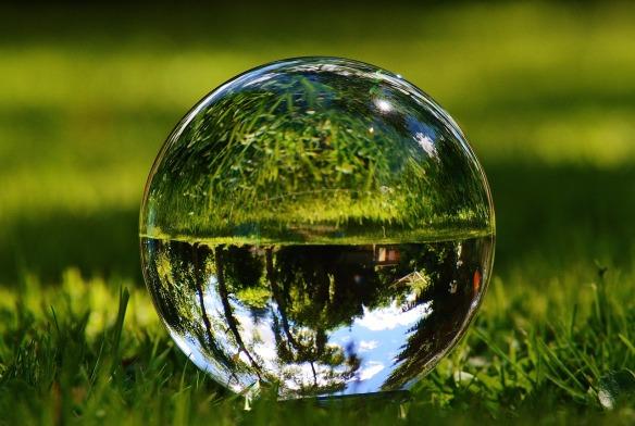 glass-ball-1480305_1280